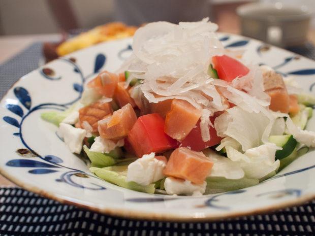 オイシックス 冷凍スモークサーモン サラダ
