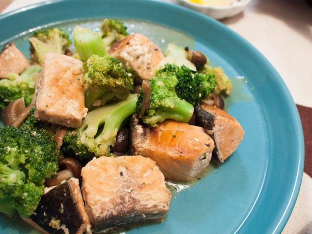 鮭とブロッコリー