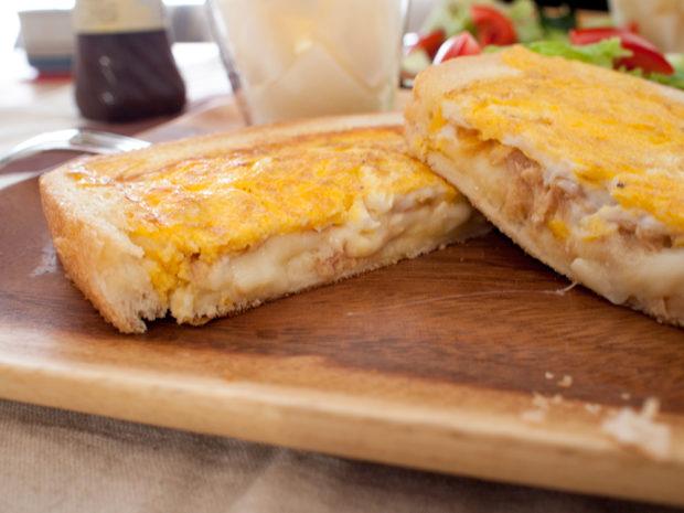 ツナチーズ ホットサンド