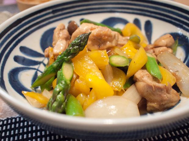 アスパラとパプリカ 鶏肉 味噌炒め