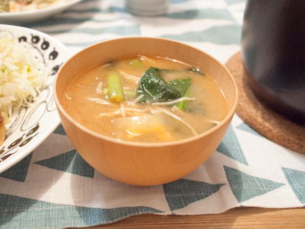 小松菜 味噌汁