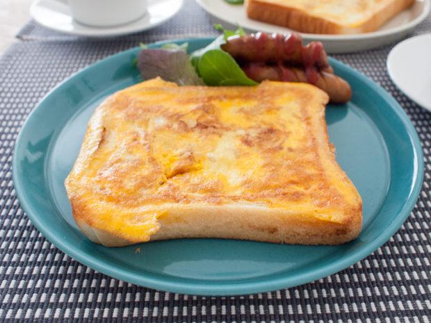 たまごとツナとチーズのホットサンド