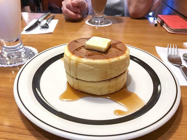 喫茶店の有名なホットケーキ