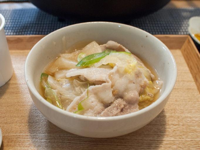 豚バラと白菜と大根の鍋