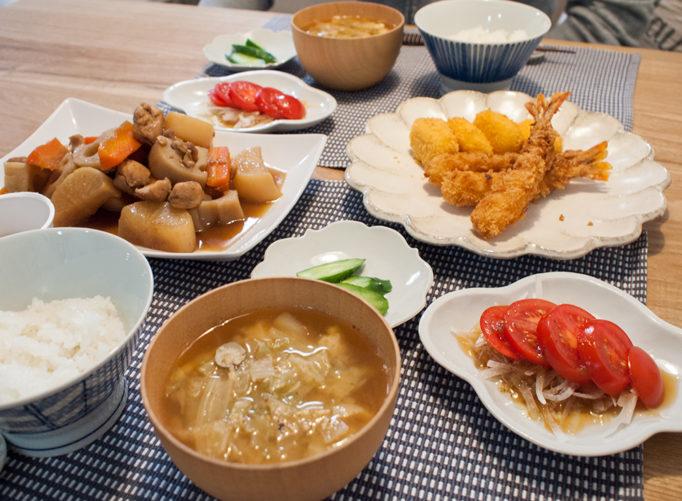 煮物とフライの食卓