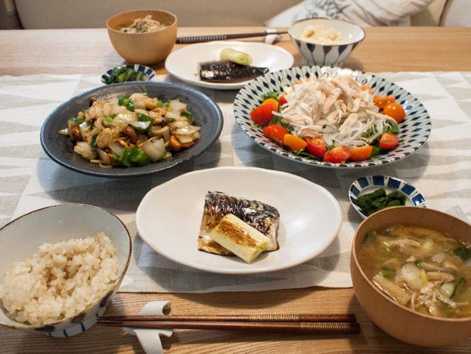 鯖みりん干しとサラダと炒め物で晩ご飯