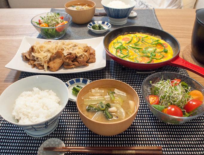 生姜焼きがメインの夕食