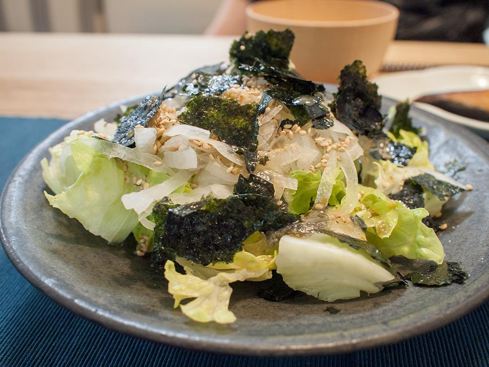 海苔と胡麻のレタスサラダ