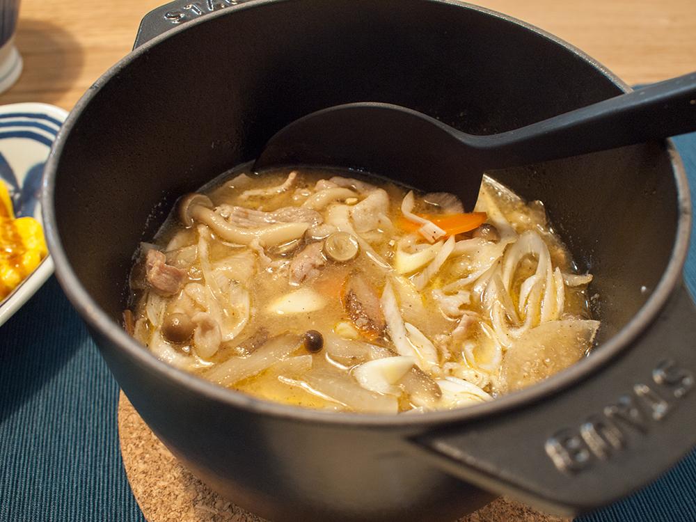 ストウブ鍋で作った豚汁