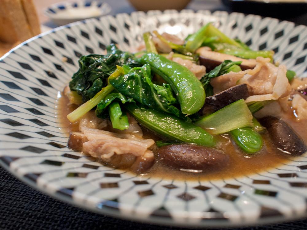 小松菜としいたけの炒め物