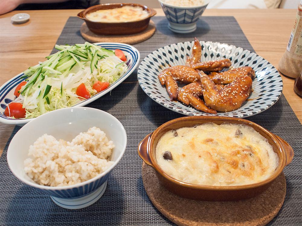 手羽先の甘辛煮とグラタンとサラダ