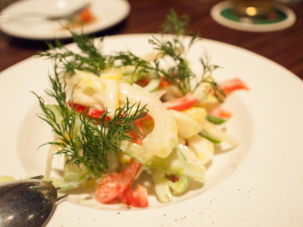 セロリとパプリカのサラダ
