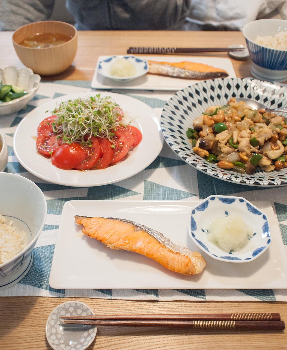焼鮭メインの晩ごはん