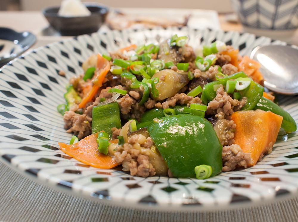 茄子とピーマンとひき肉の味噌炒め
