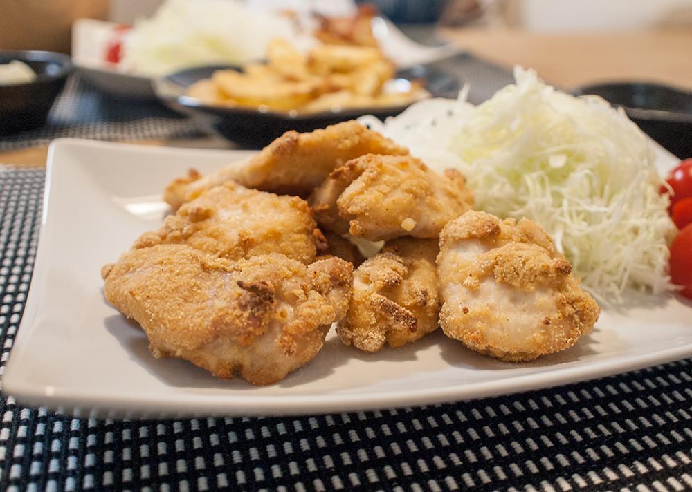 唐揚げ粉で作った鶏胸肉の揚げない唐揚げ