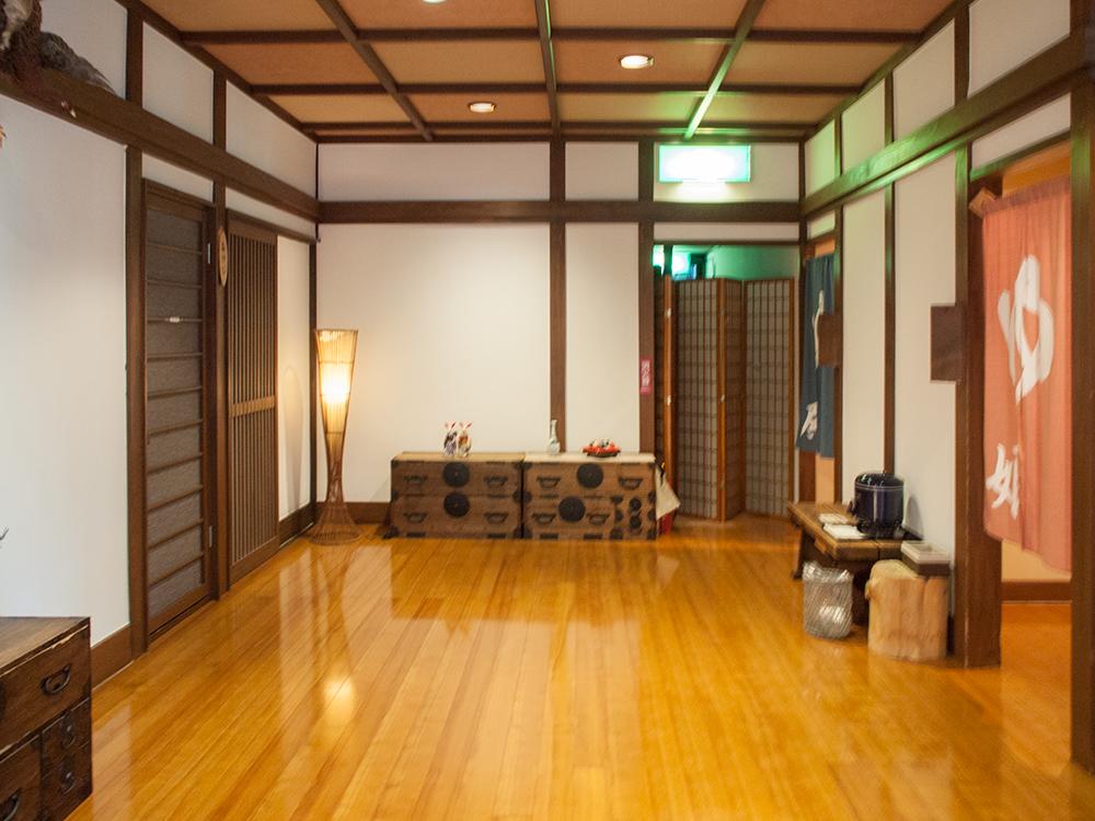 尚文の温泉入口前の踊り場