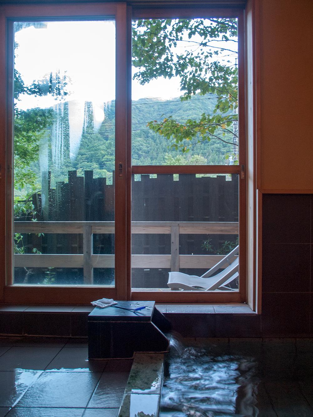 尚文の螢雪の湯 窓からの眺め