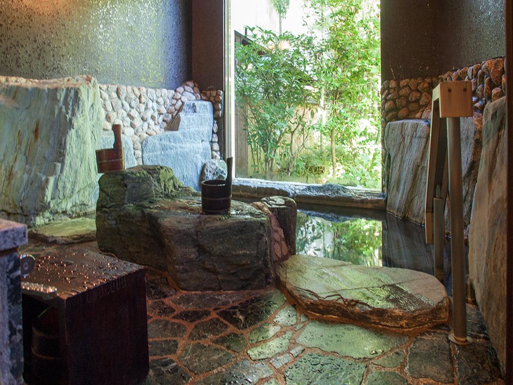 尚文の岩の湯 朝の風景