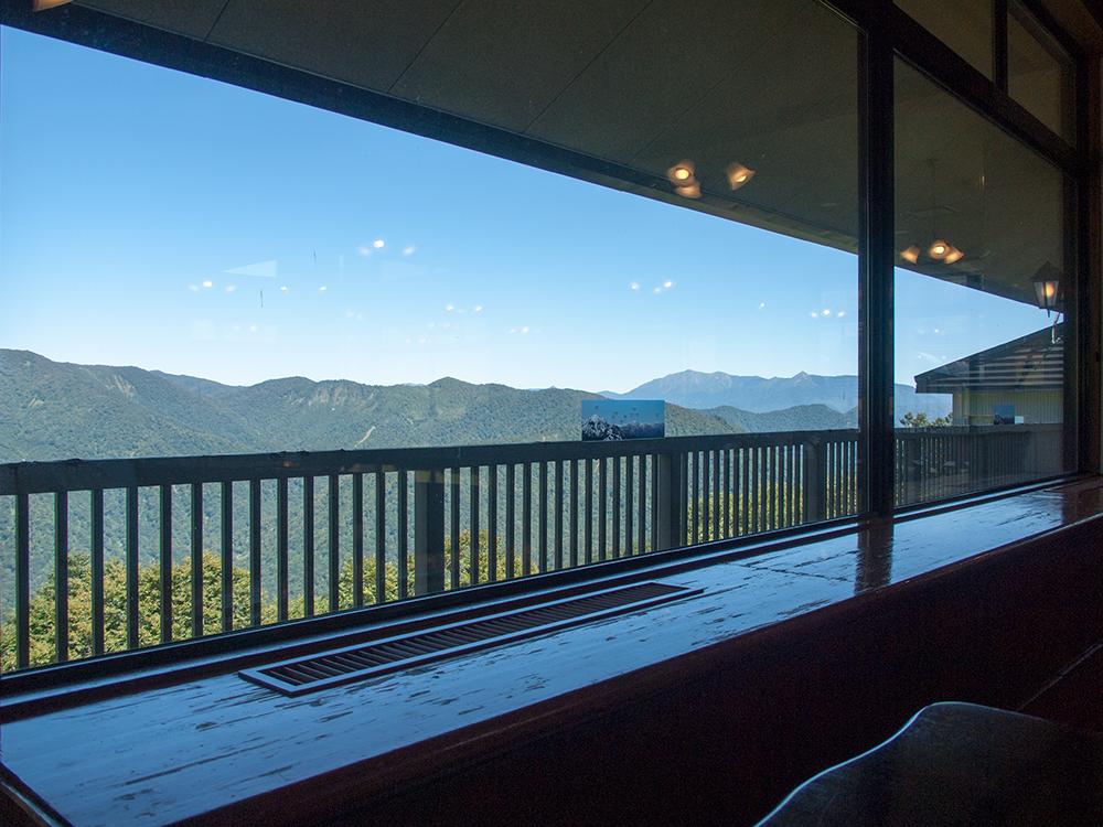谷川岳ロープウェイレストランからの眺め