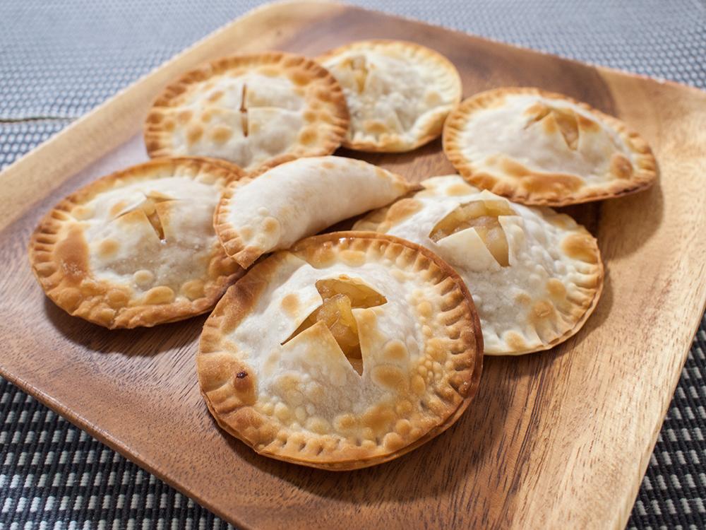 餃子の皮で作った低脂質なアップルパイ