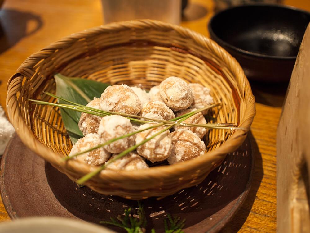 浅草の釜飯店 麻鳥の銀杏