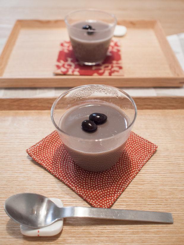 黒豆で作ったプリン