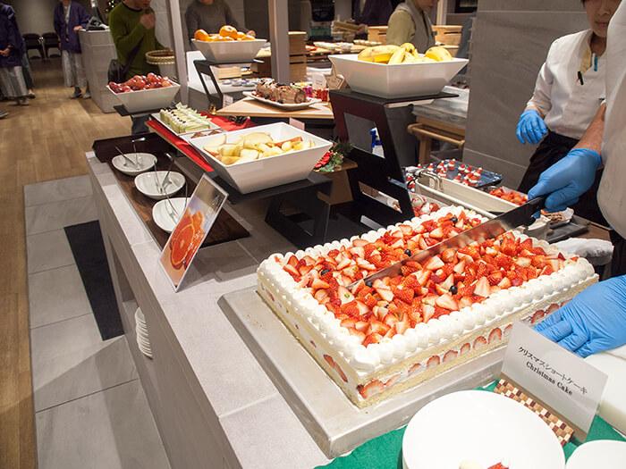 箱根はなをり 夕食ブッフェのデザートコーナー ショートケーキ