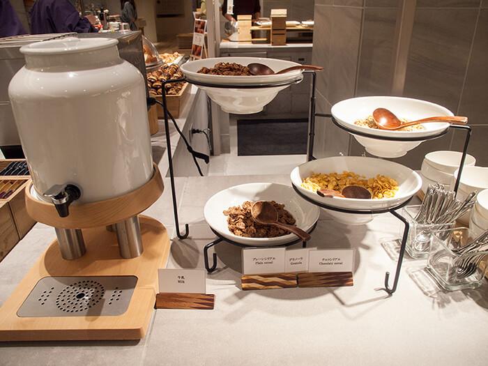 箱根はなをり 朝食ブッフェのシリアル