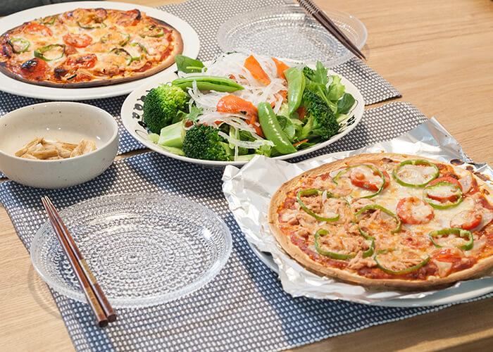 ピザがメインの食卓