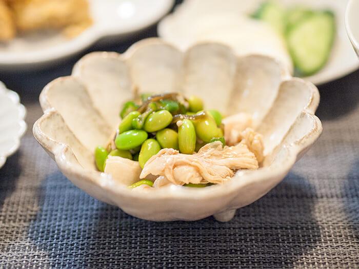 オリジン弁当の蒸し鶏と枝豆の和え物