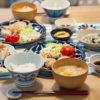 鶏胸肉のしそチーズ丸め焼きがメインの食卓