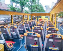 はとバス2階建てオープンエアバスの車内