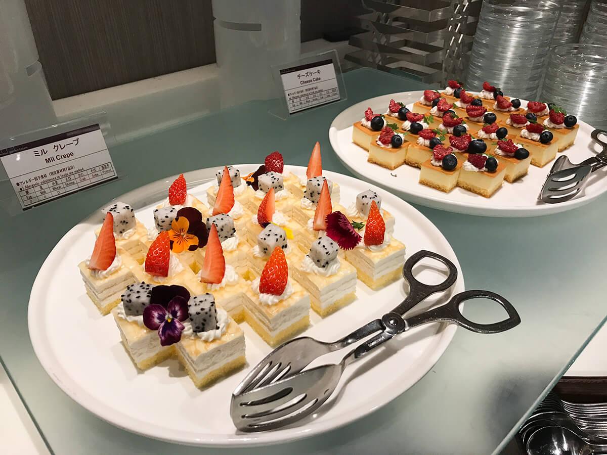 ミレニアム三井ガーデンホテル東京の「ブッフェアンドカフェ ギンザサイ」ケーキのアップ