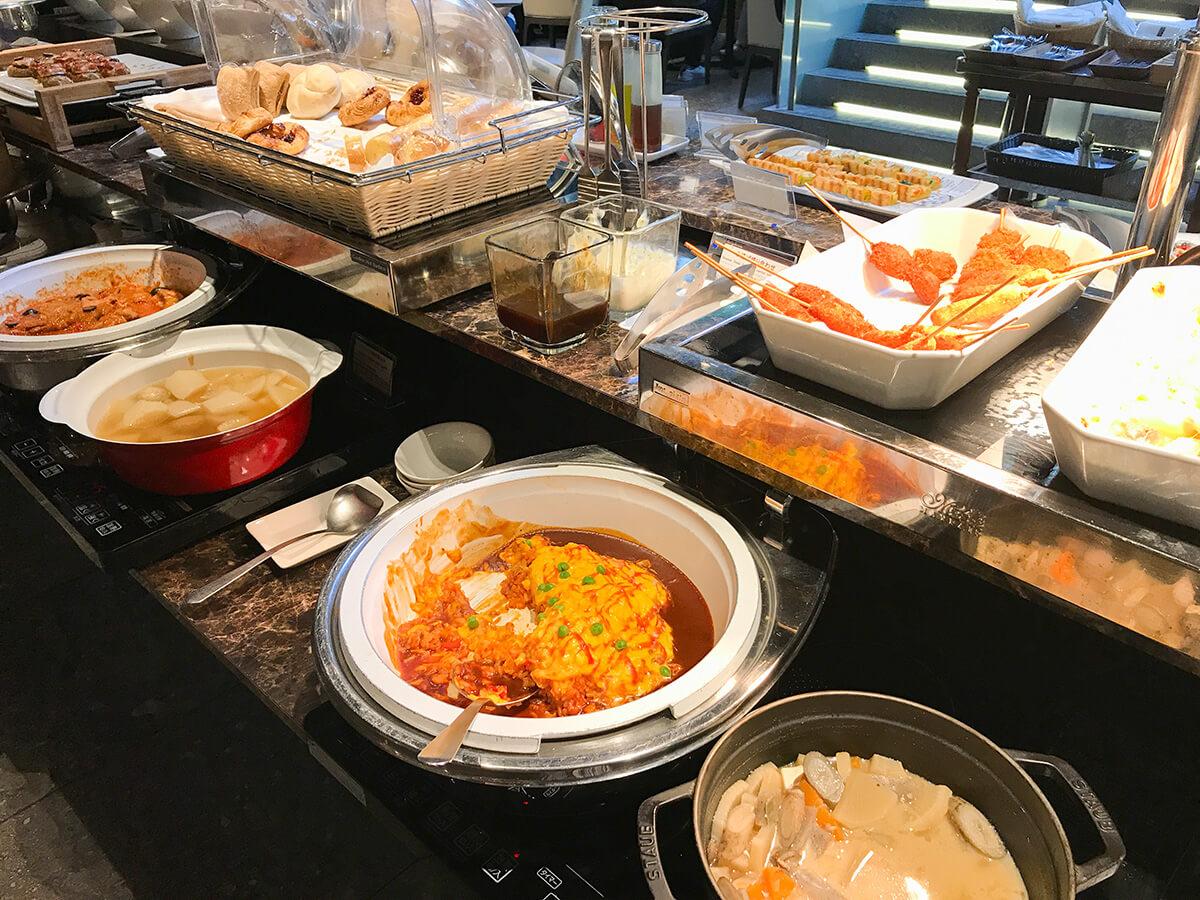 銀座ホテルブッフェ、Buffet & Cafe GINZA SAI 温かい料理台