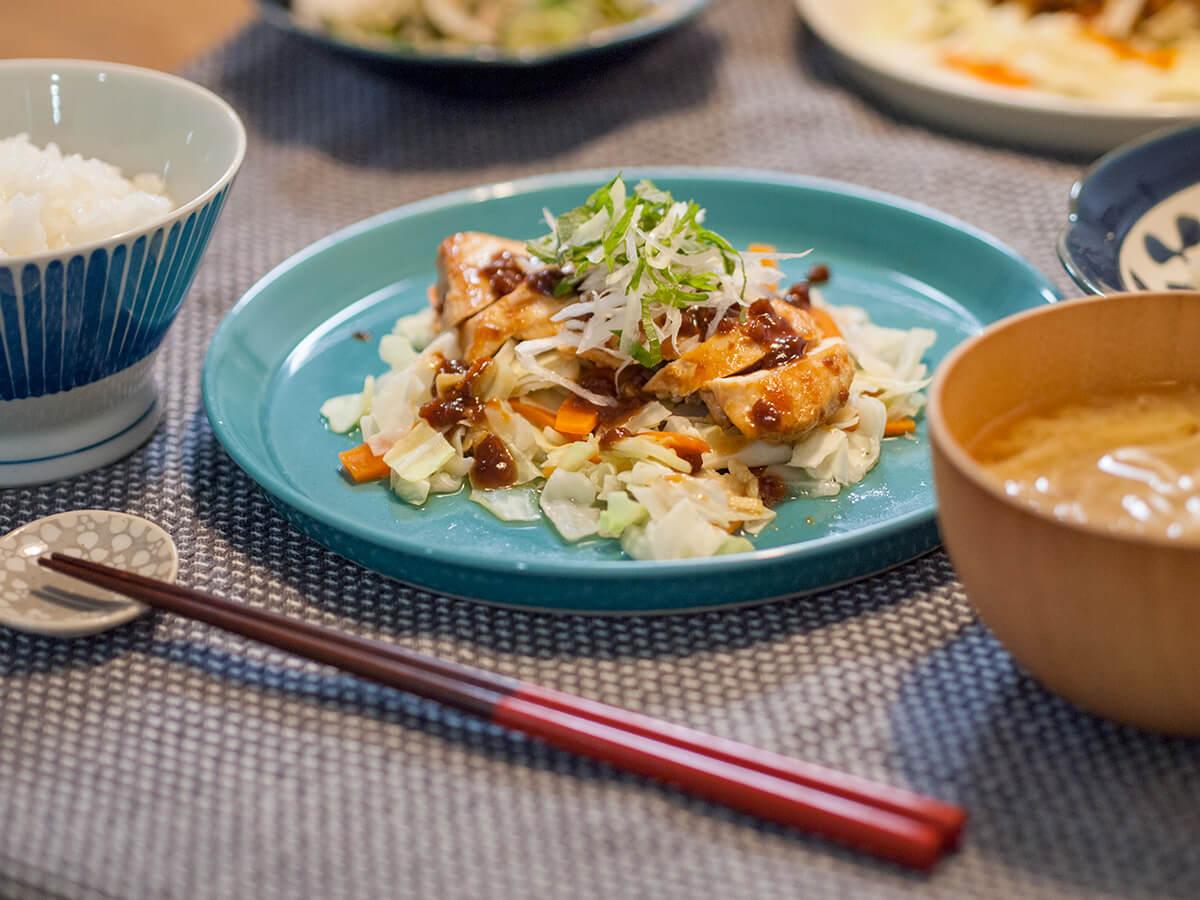 キットオイシックス越前白山鶏の香ばし大豆みそ照り焼きとごはんと味噌汁