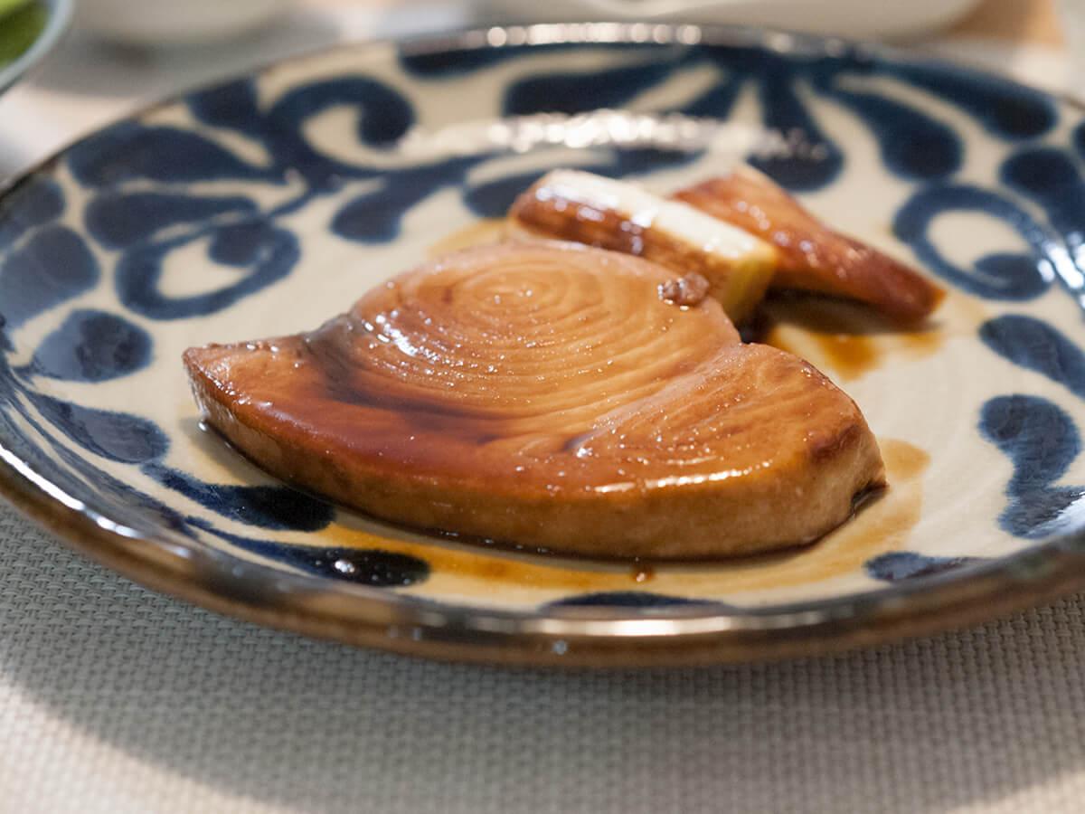 カジキマグロの照り焼きのアップ