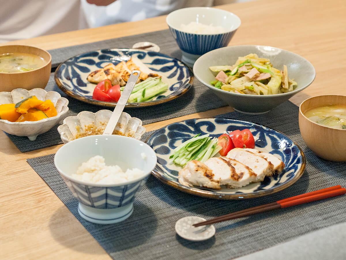 揚げない油淋鶏がメインの食卓風景