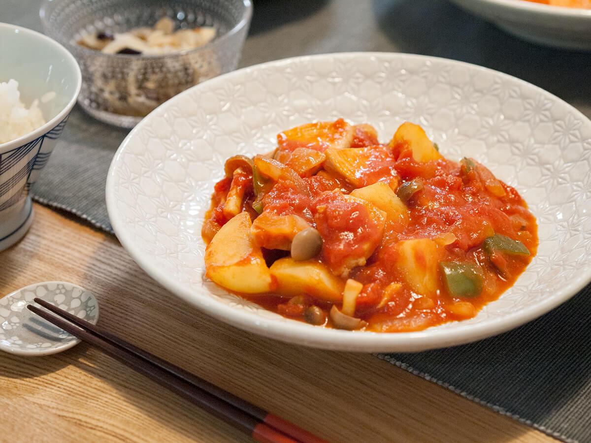 鶏肉と野菜のトマトソース煮のアップ