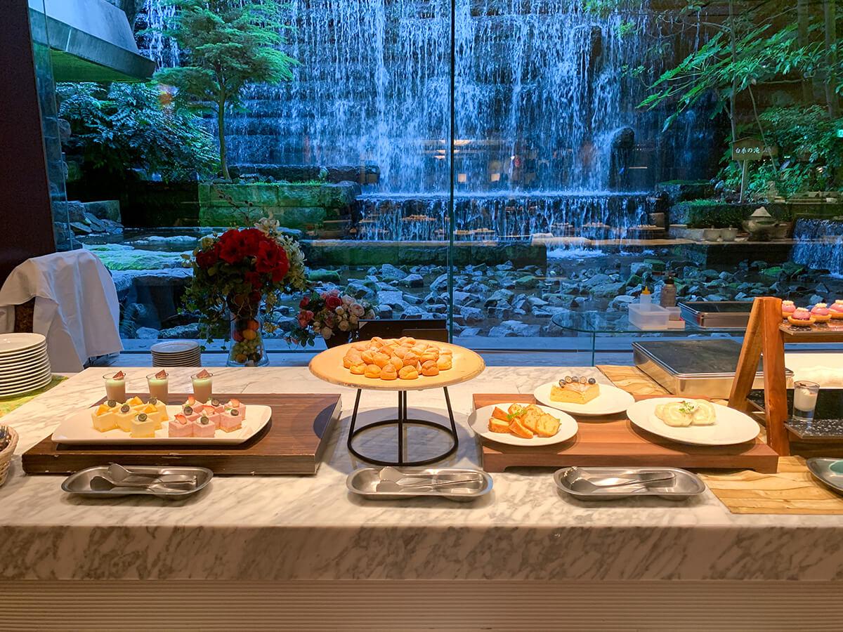 ホテルグランドパレスのブッフェのデザートコーナー