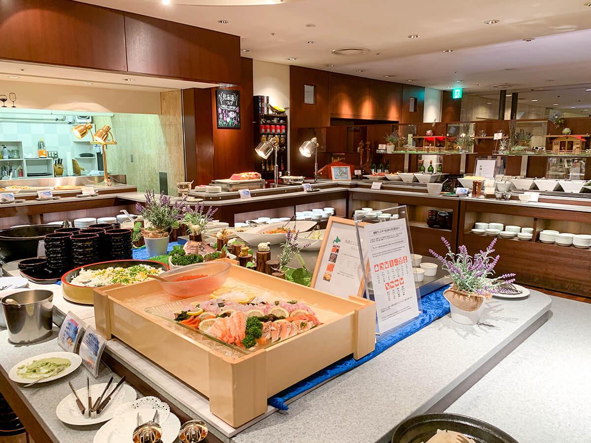 ホテルグランドパレスのブッフェレストラン/カトレアのお料理台