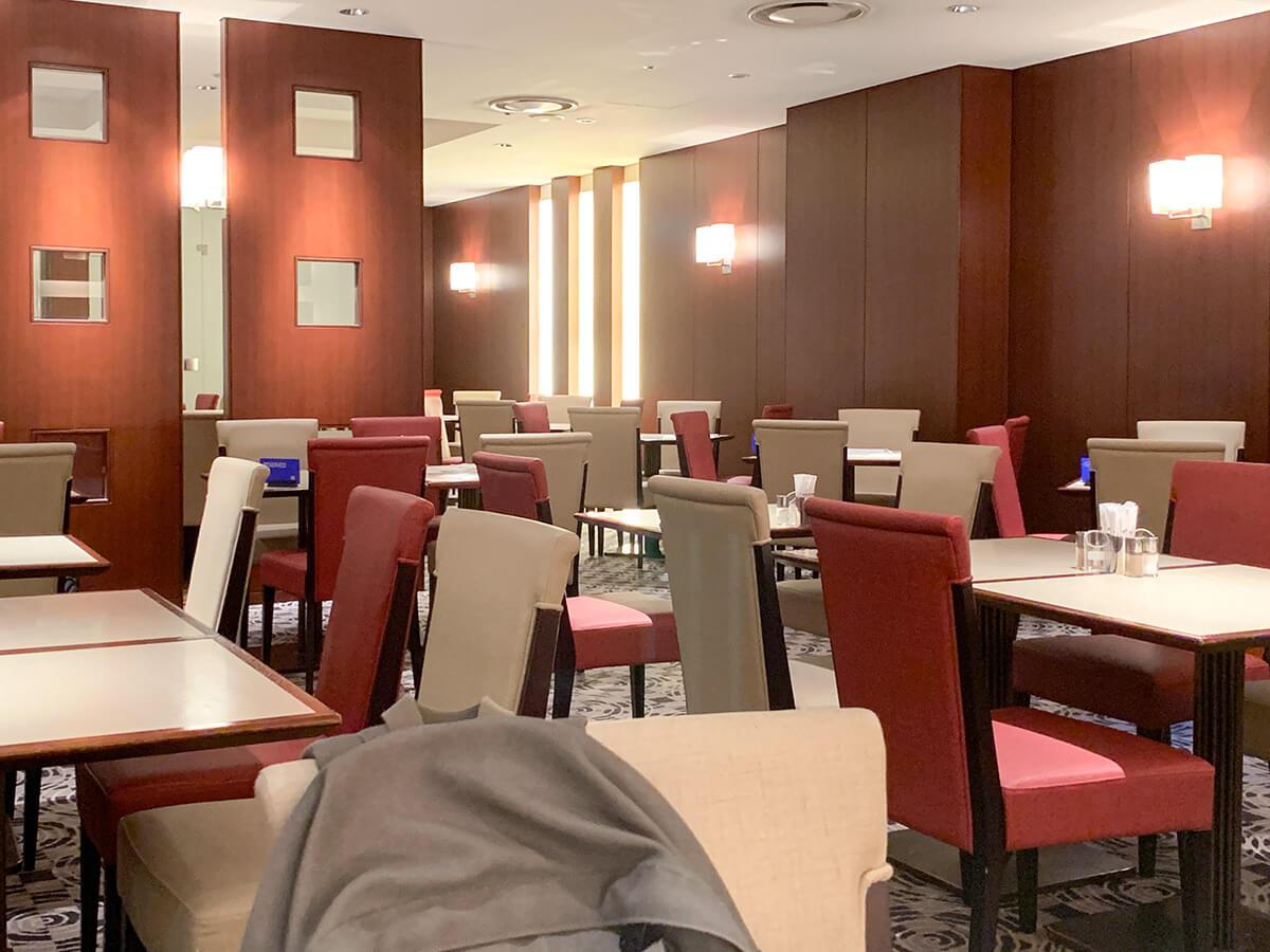 ホテルグランドパレスのブッフェレストラン・カトレアの店内