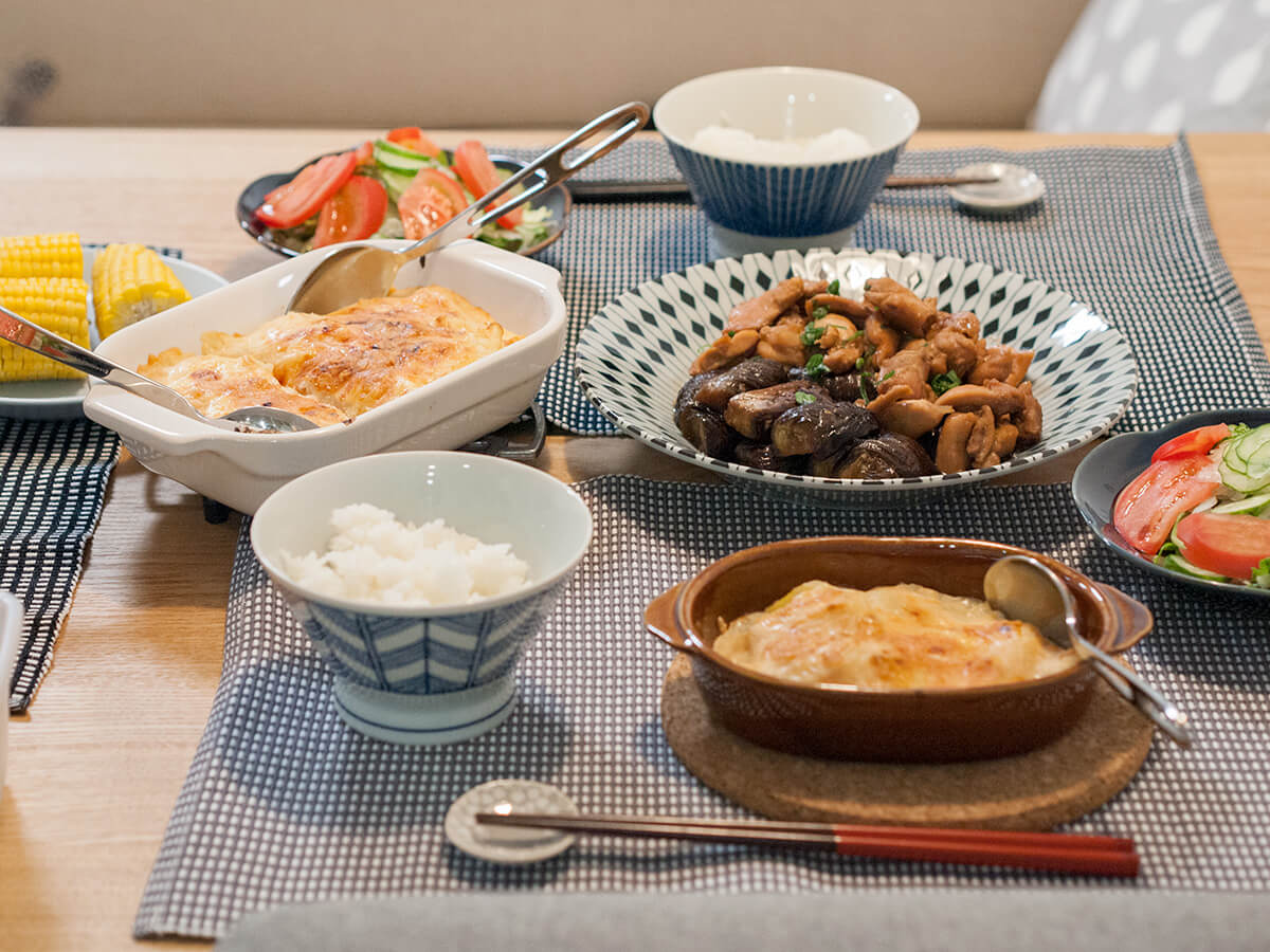タラモグラタンとナスと鶏肉の甘辛煮とサラダ