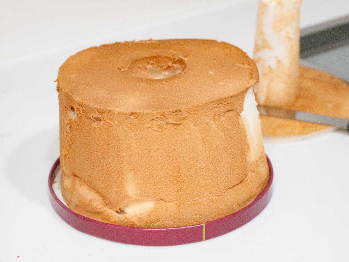 シフォンケーキを型から抜いたところ