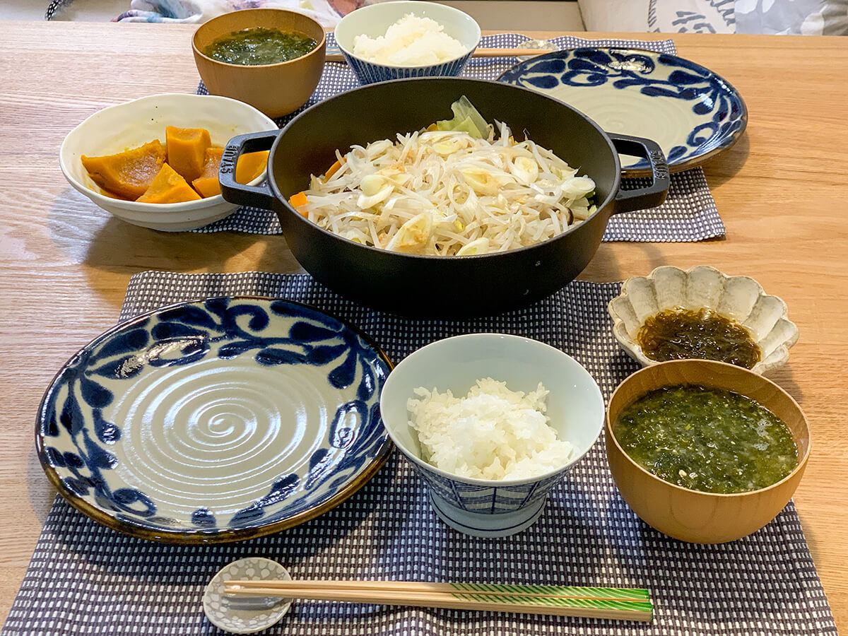 鮭のちゃんちゃん焼きがメインの食卓