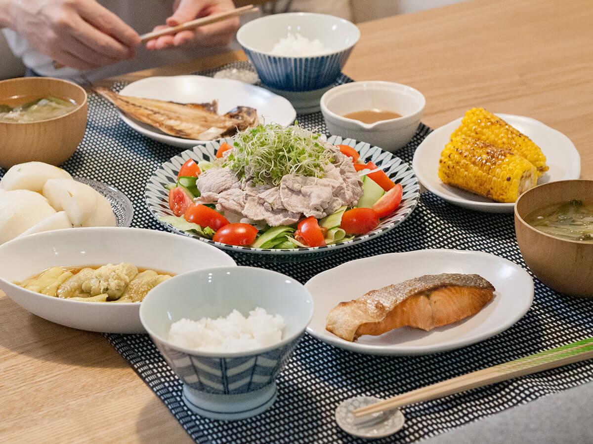 焼き魚と豚しゃぶサラダと茄子の副菜