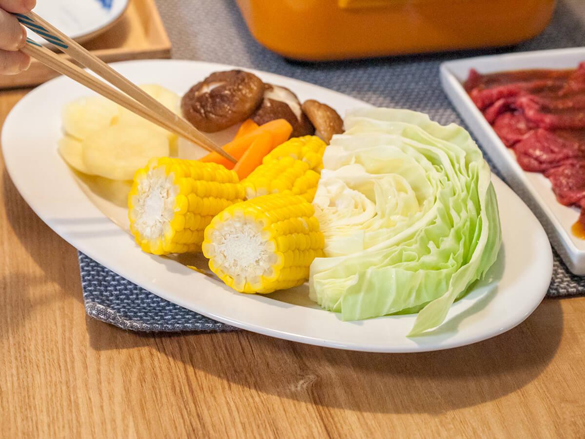 焼肉の野菜盛り合わせ