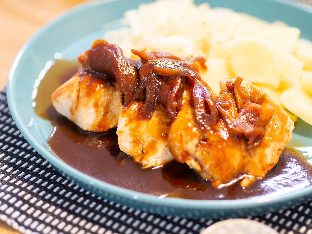 鶏胸肉のソテーきのこソース