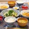 麻婆豆腐と野菜の酒蒸しがメインの食卓