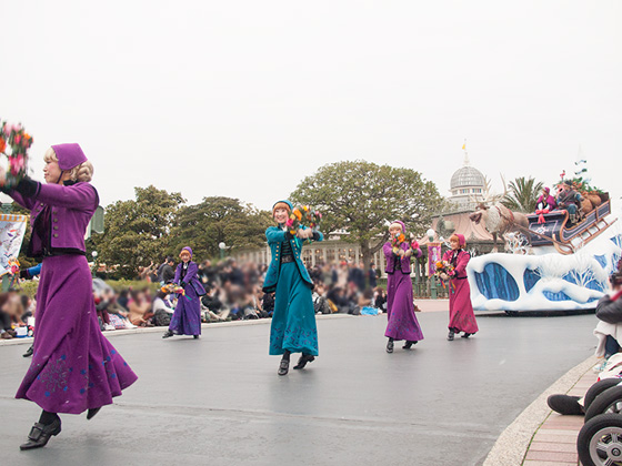 frozen_parade2016_10