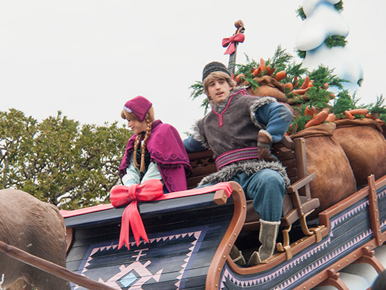 frozen_parade2016_11